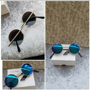 These classic round sunglasses are beautiful the l